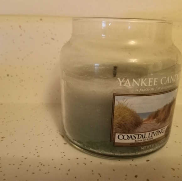 Yankee Candle Coastal Living - Used
